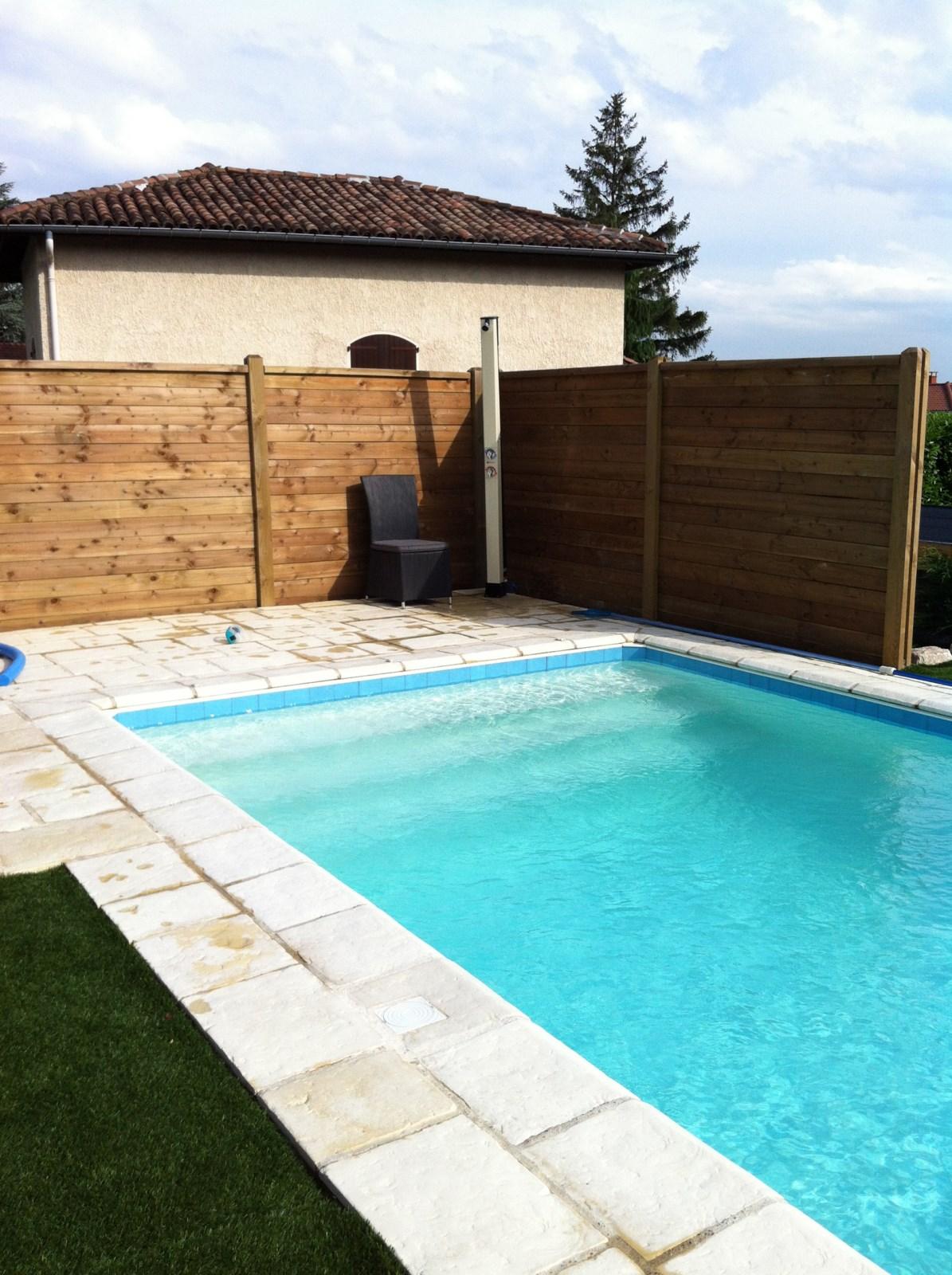 Trouver constructeur de piscine sur mesure lyon for Constructeur de piscine