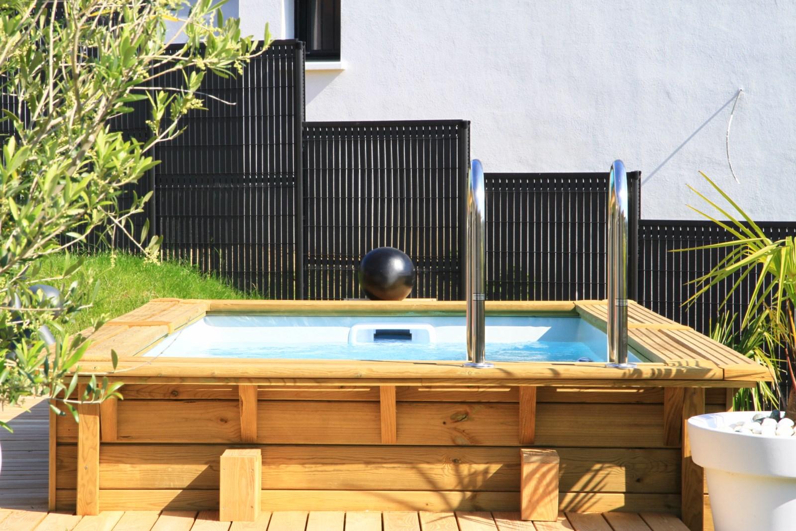Pisciniste expert dardilly dans le rh ne paysagiste dardilly lyon les jardins de l 39 ouest - Piscine bois octogonale lyon ...