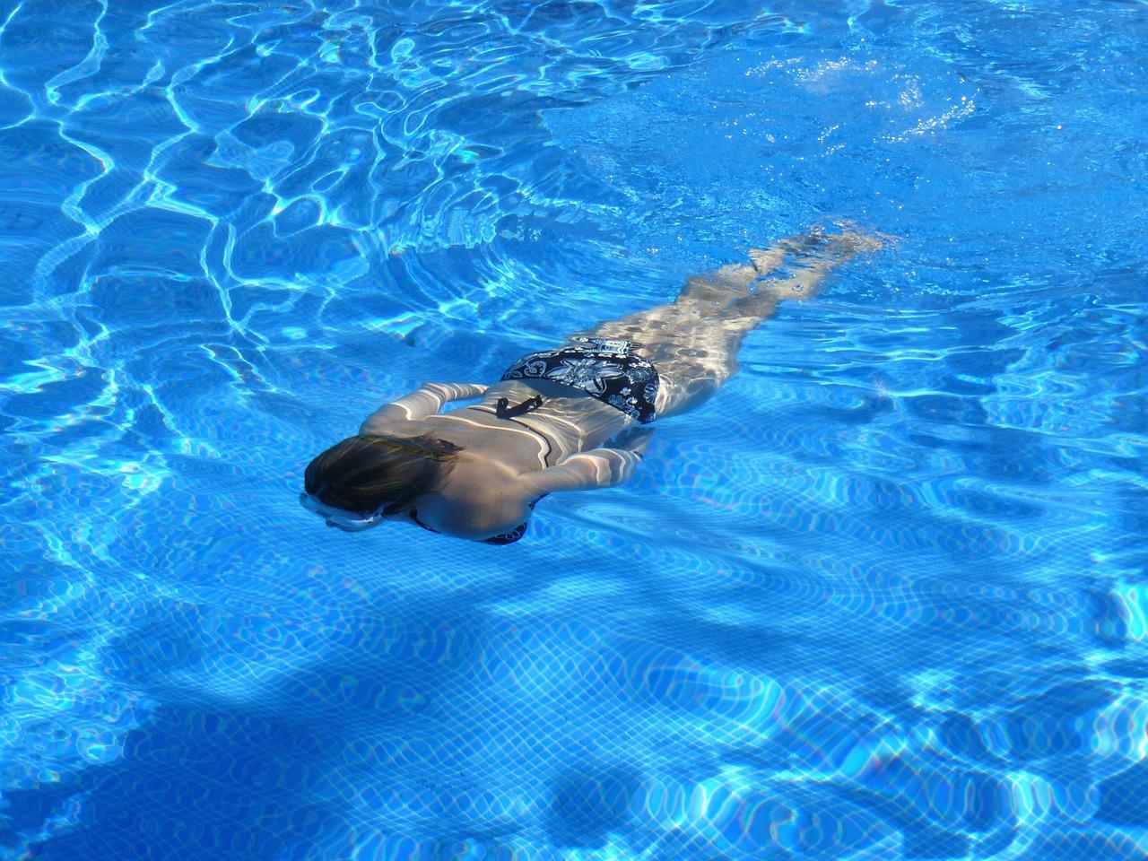 Trouver constructeur de piscine sur mesure lyon for Constructeur piscine lyon