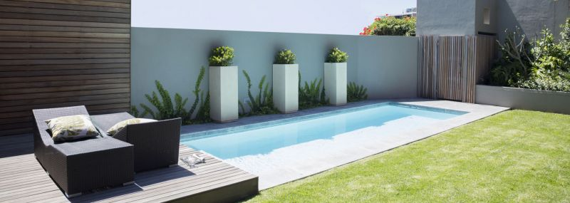 am nager les abords de votre piscine de mani re harmonieuse jardinier paysagiste seine. Black Bedroom Furniture Sets. Home Design Ideas
