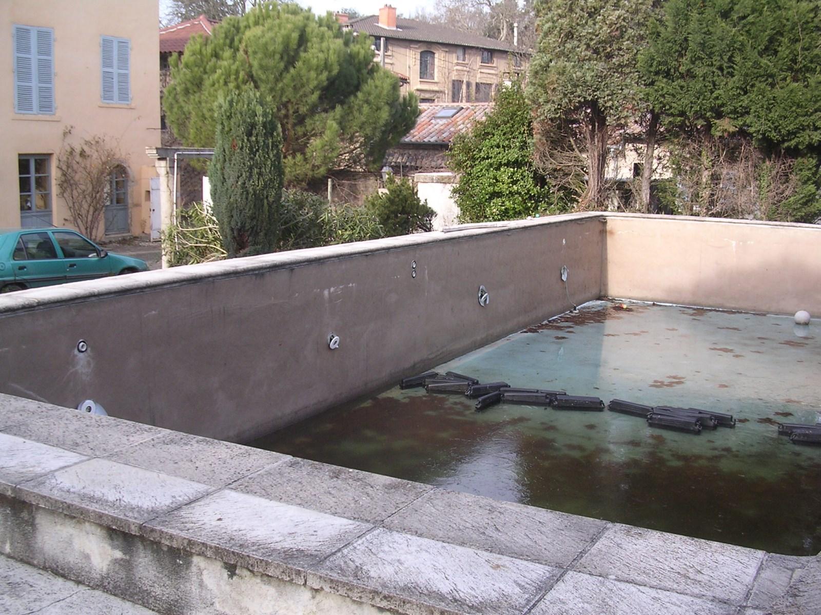 Ancienne piscine dans le rh ne 69 paysagiste dardilly for Constructeur piscine rhone